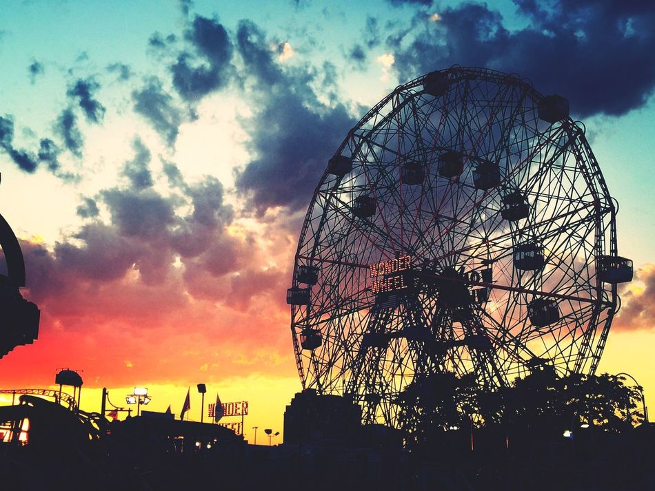 Sunset Cloud - Sky Amusement Park Outdoors Moments Lights Coney Island Summer Reallife Travel Lowlight Games Xoxo Fun Truestory Truecolors Shadows & Lights New York Adapted To The City