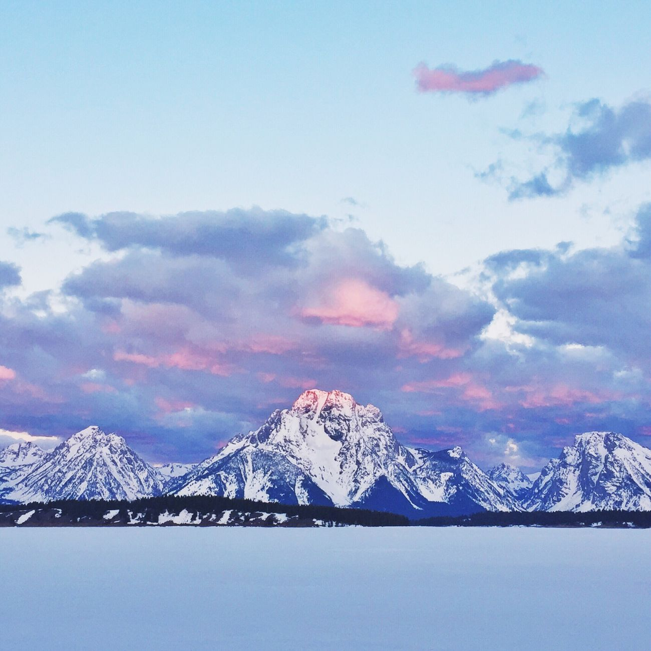 Sunset of Mount Moran inside Grand Teton National Park