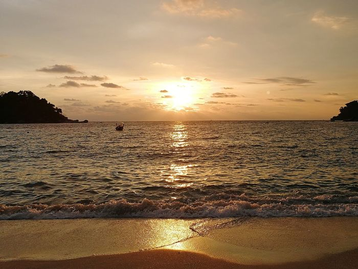 Sunset Sea Beach Sun Sky Nature Water Summer Landscape Cloud - Sky Vacations Silhouette Tranquility Reflection Sand Travel Dramatic Sky Sunlight Travel Destinations Tranquil Scene Holidays Vacation Cuti Cuti Malaysia Pangkor Island Visit Perak 2017 Sommergefühle