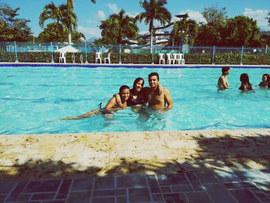 FamilyLove Cousins  ViveColombiaViajaPorElla Santamarta Enjoying Life