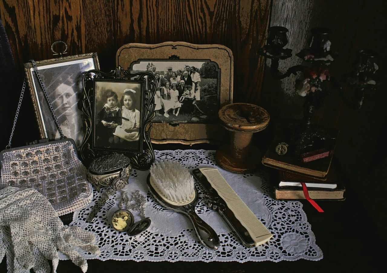 'In Praise of Older Women' Lieblingsteil Women Who ınspire You Jewelry Antiques Vanity Table Wood - Material Variation Fashion Antique Table Indoors  Old-fashioned Large Group Of Objects Tranquil Scene Ontario, Canada Place Of Heart