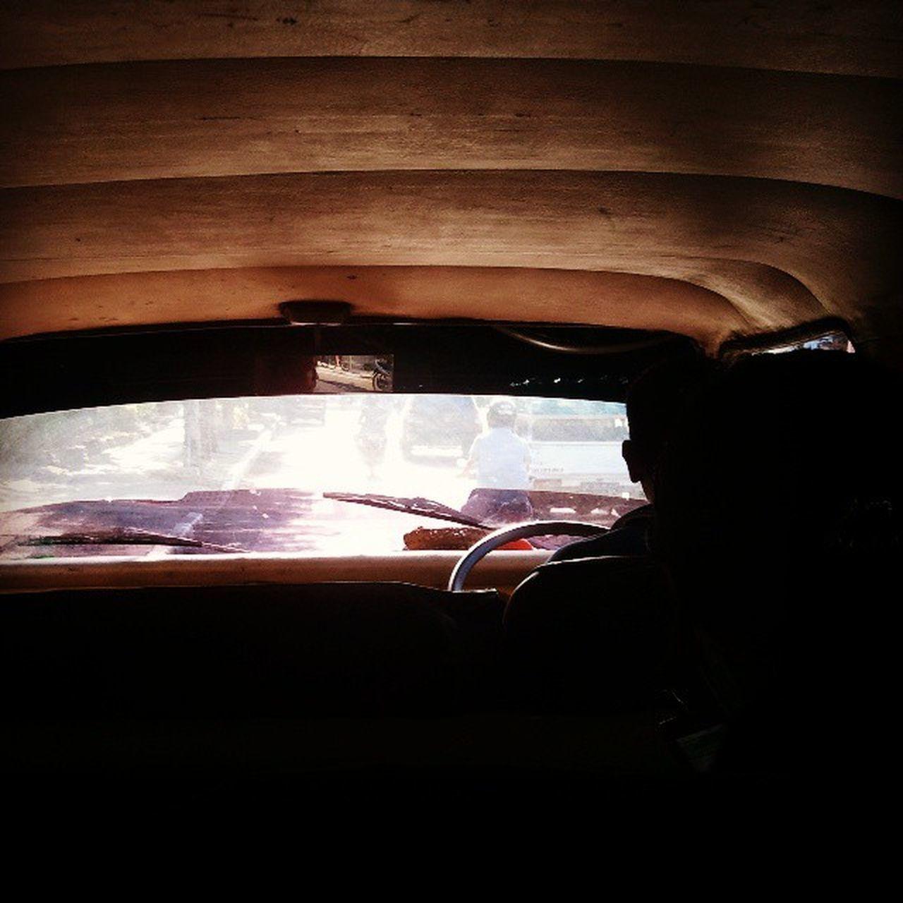 Perjalanan Sopir Angkot