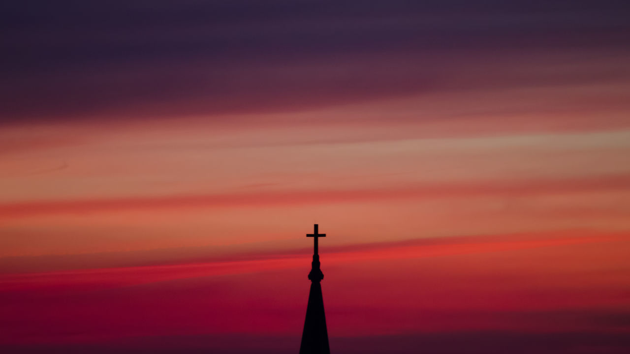silky clouds, sunset, the church, if you love this moment, capture this moment Beauty In Nature Summer Sunset Cloudscape Nature Sky Chicago Cloud - Sky Scenics Dramatic Sky Taking Photos Amazing View Orange Color Enjoying Life Amazing Colorful Moody Sky Capture The Moment Silky Clouds Light And Shadow Showcase July 43 Golden Moments Adapted To The City