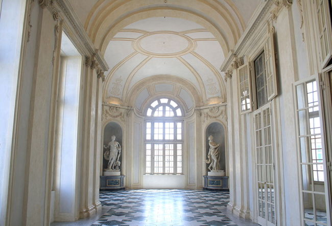Antique Arch Architecture Day Indoors  Interior No People Old Palace Statues Sunlight White Window