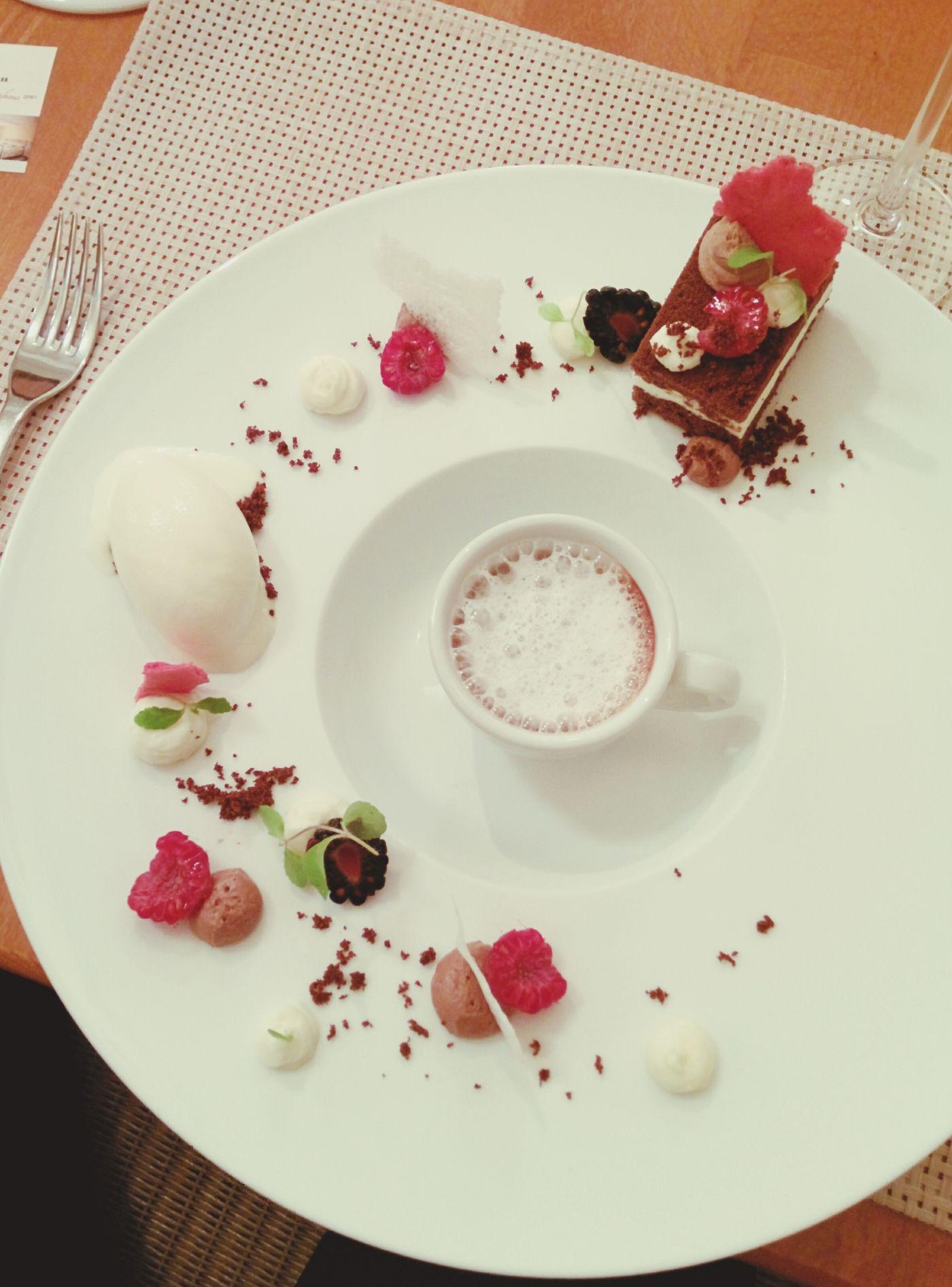 Eine fantastische Schokoladen-Landschaft zum Dessert!