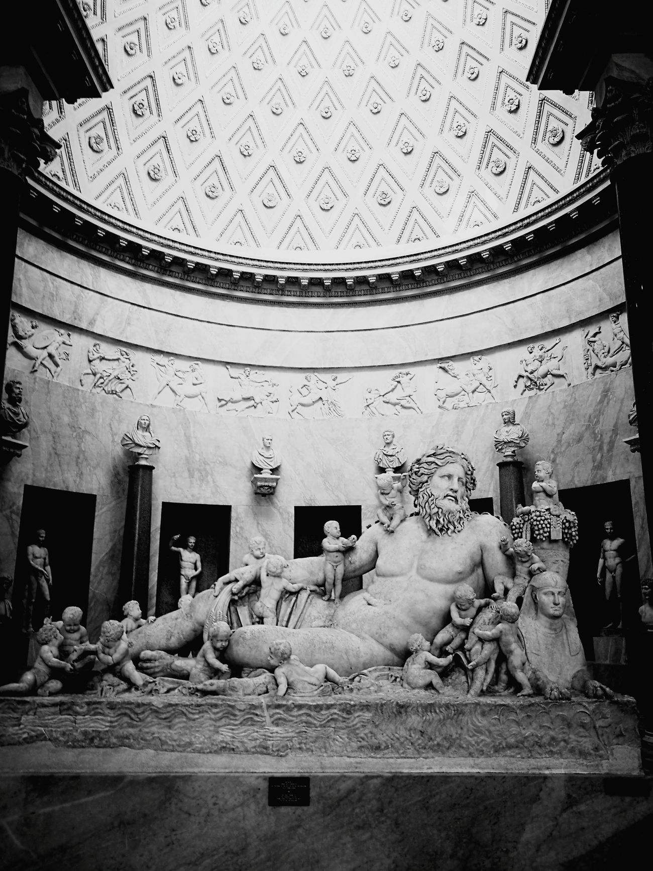 Architecture Statue Indoors  No People Sculpture Ancient Civilization Rome Architecture SanPietro Vatican Museum VaticanCity VaticanMuseum Vatican Tourism Tourist Italy🇮🇹 Sculptures Art Potography Statue Nilo Nettuno Rome, Italy Politics And Government Blackandwhite Blackandwhite Photography