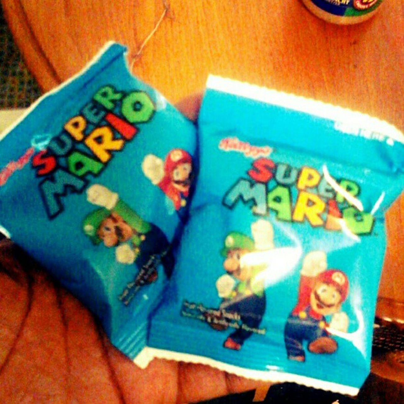 My #yummy #snack of #supermario #fruitsnacks. 70 calories each. Ninstagram Yummy Snack Nintendo Lowcarb Supermario Igersnintendo Lowfat SuperMarioBros Wtfgamersonly Lowcalorie Nintendolife Wtfgo Fruitsnacks Lowcal