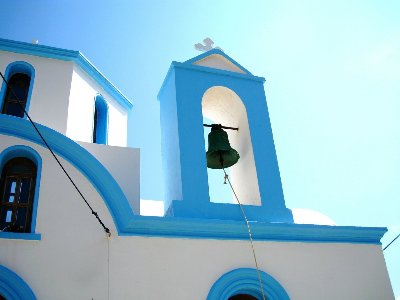 PIECE OF HEAVEN... ⛅ Greece Taking Photos Getting Inspired Hello World White Lookingup Cityscapes City Sky Skyporn Blue Blue Sky Outdoors Walking Around Freshness Fresh Architecture Architecture_collection Light Built Structure Building Building Exterior Getting In Shape Tourism Colors