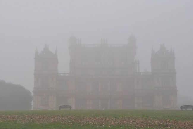 Nottingham Wollaton Hall Foggy Morning Foggy Weather Thick Fog Weather Mist Dew Sad Miserable Gloomy Cold Days Historical Building Heritage Taking Photos Photography Shadow Eye4photography  Walking Around EyeEm Gallery