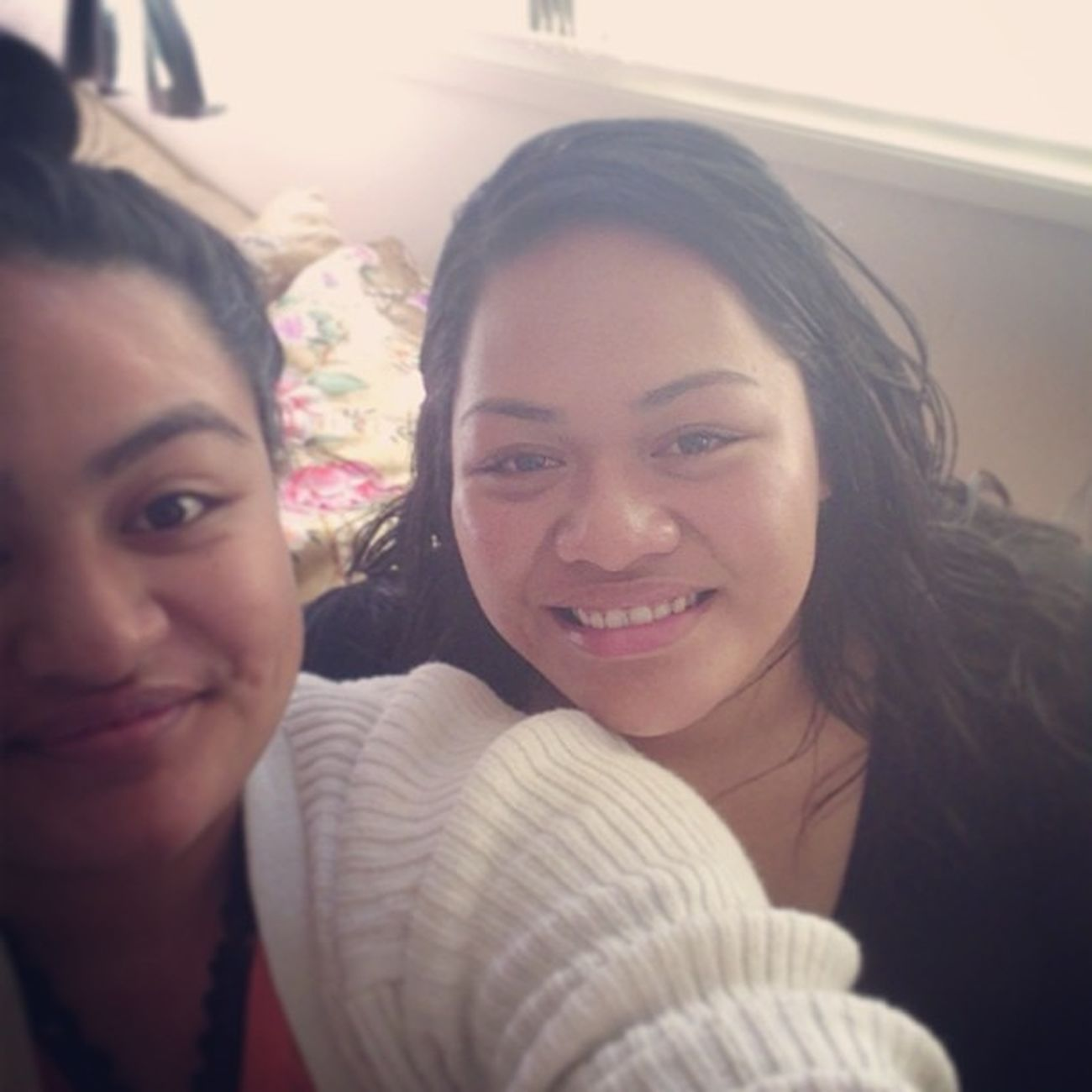 Taking selfies with my older sis ????luv ya heaps Always being there for me and the fams also being a great older sis Loveyoutothemoonandback Sisterlylove @gene_tee ♥♥♥♥????????????????????????