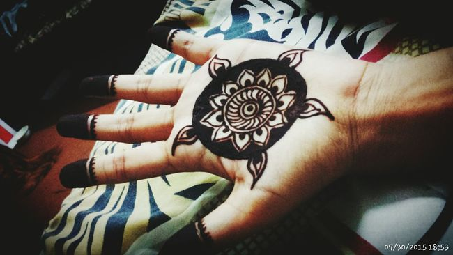 Love Mehndi ♡ Tatoos MadebyMe ☝✌