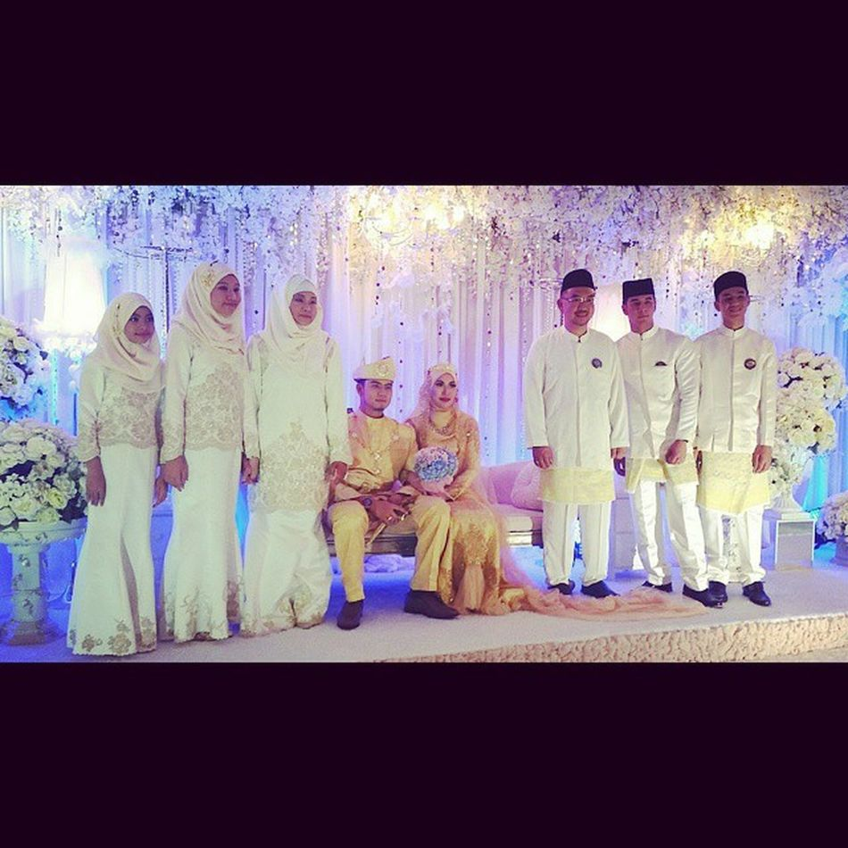 congratulations on your wedding Ronald and Ruby. may Allah shower both of you with happiness, barakah and imaan and make a lots of babies 💪💪😂 April18 2015  Irfanrubywedding Wedding Weddings Around The World Brunei Darussalam People And Places