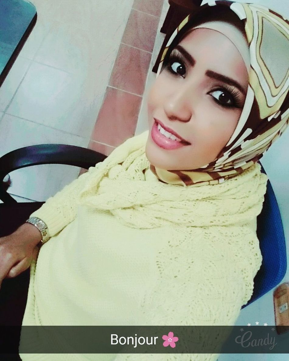 Headshot One Person Looking At Camera People Hello World Hi! That's Me Girl Woman Hijab Burgundy Be Simple Enough Simple Beauty Simply Me ❤ Smile Style Just Smile  Just Smile  Fation JustMe Be Simple Selfie ✌ Beautiful ♥ Beautiful Girl Beauty