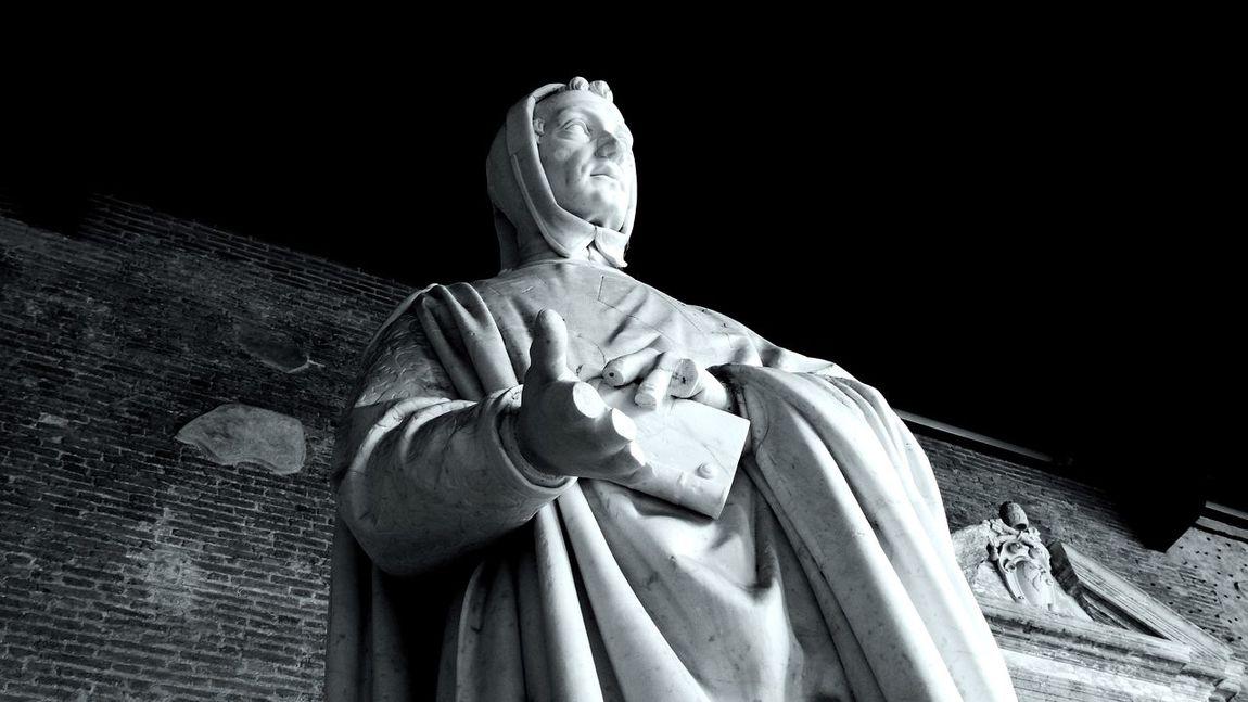 Statue at Camposanto cemetery in Pisa, Tuscany, Italy Statue Camposanto Cemetery Light And Shadow Art ArtWork Detail Graveyard Beauty Blackandwhite Black And White Black & White