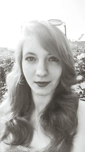 Summer ☀ Relaxing Black & White Self Portrait
