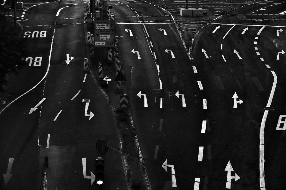 No People Outdoors Traffic Traffic Jam Traffic Sign Streetphotography Street Photography Street Lane Laneways Verkehrszeichen Verkehr Trafficporn Arrow Direction Blackandwhite Black & White