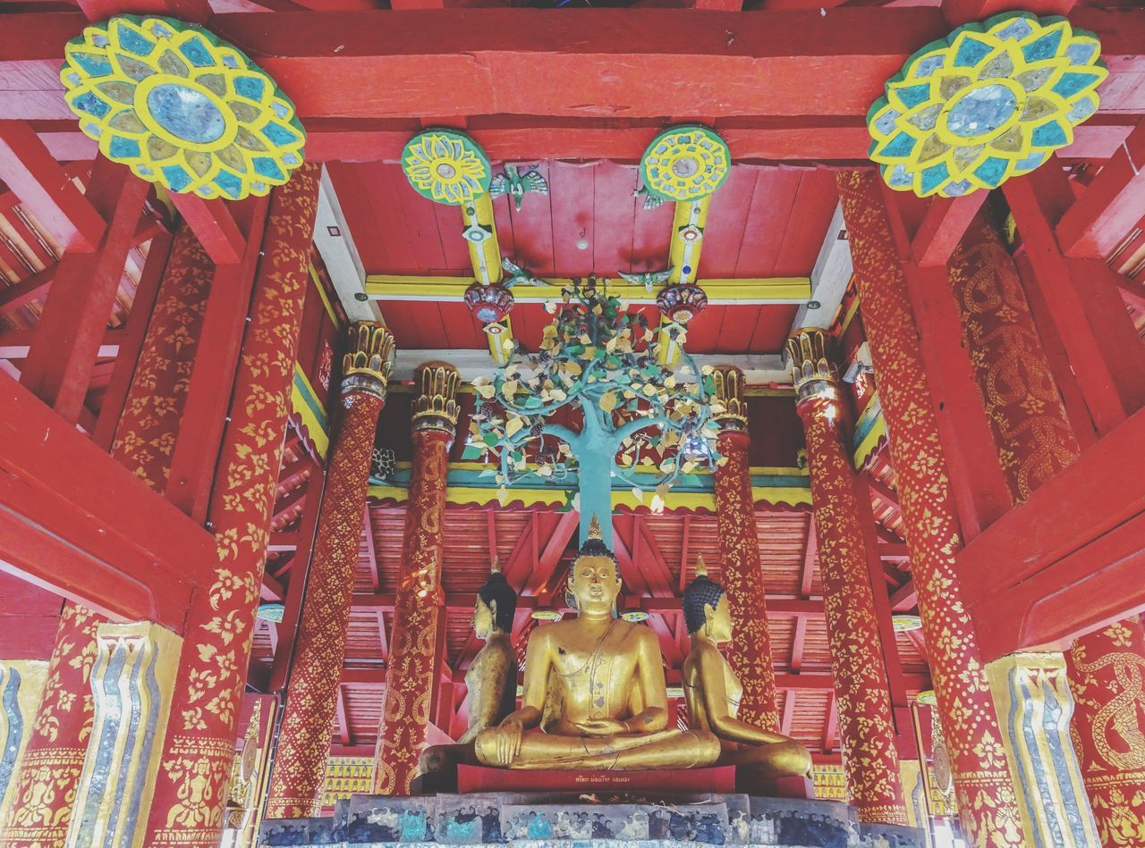 Statue No People Religion Place Of Worship Day Outdoors History Gold Art Thailand Temple Buddha ASIA Lampang Believe Red Old Art And Craft Architecture Gold Colored Temple Tree Wood