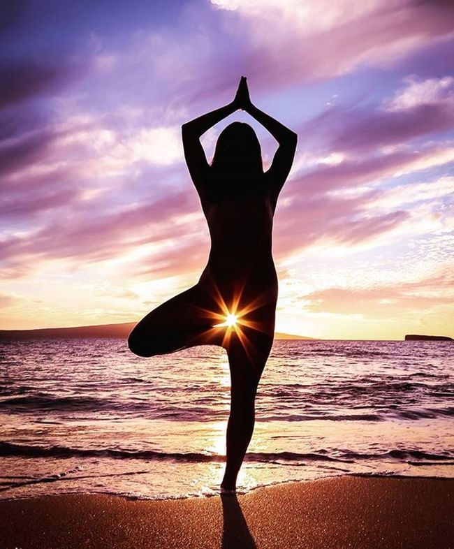 Tropical goddess Maui Artnude Beautiful Goddesses Freethegoddess Blessed  Youonlyliveonce Befree Amazing Model Love Beauty Mauiphotography Mauinokaoi Mauiportraits Sea Seanymph Siren Seasiren Hawaii Vixen Nature Girls Paradise Yoga yogalove yogaeverydamnday yogagirl yogaeverywhere silhouette