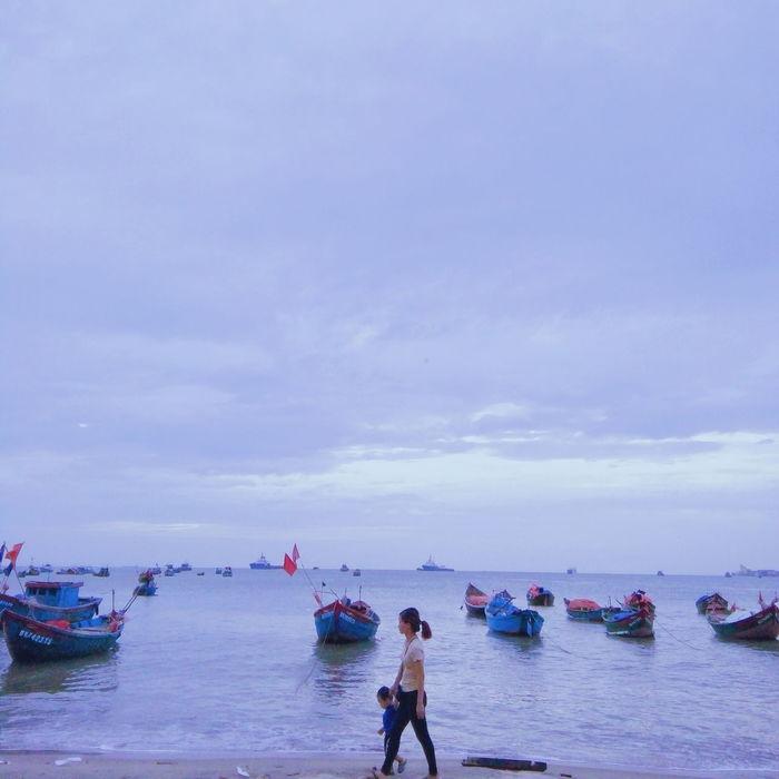 Vietnamese Vungtaucity Beach Sky Mother And Son Photography 62superman