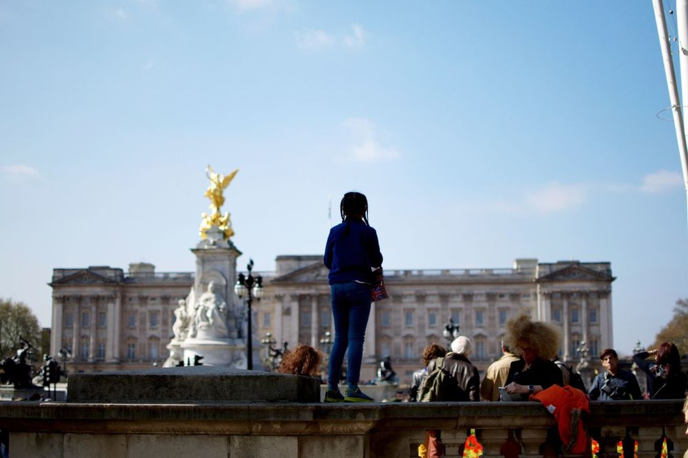 Standing up. Statue Human Representation Sculpture Art And Craft Male Likeness Architecture Travel Destinations Travel Built Structure Creativity Sky Building Exterior City Real People History Tourism Gold Colored Outdoors Men Large Group Of People Buckingham Palace Children EyeEm Diversity The Street Photographer The Street Photographer - 2017 EyeEm Awards EyeEm LOST IN London