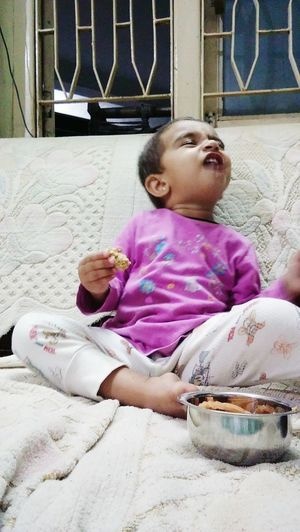 EyeEm Eyeembaby Eyeem Babies EyeEm Baby <3 EyeEm Baby Lover Cute♡ Baby ❤ Baby Girl Babylove Babyface Baby Photography Baby Expression Baby Eating Breakfast Expressions Funny Faces Fynnymoments  Memories ❤ EyeEm Photo Of The Day Eyeem India EyeEm Gujarat Eyeem Kutch Eyeem Gandhidham SundayFunday