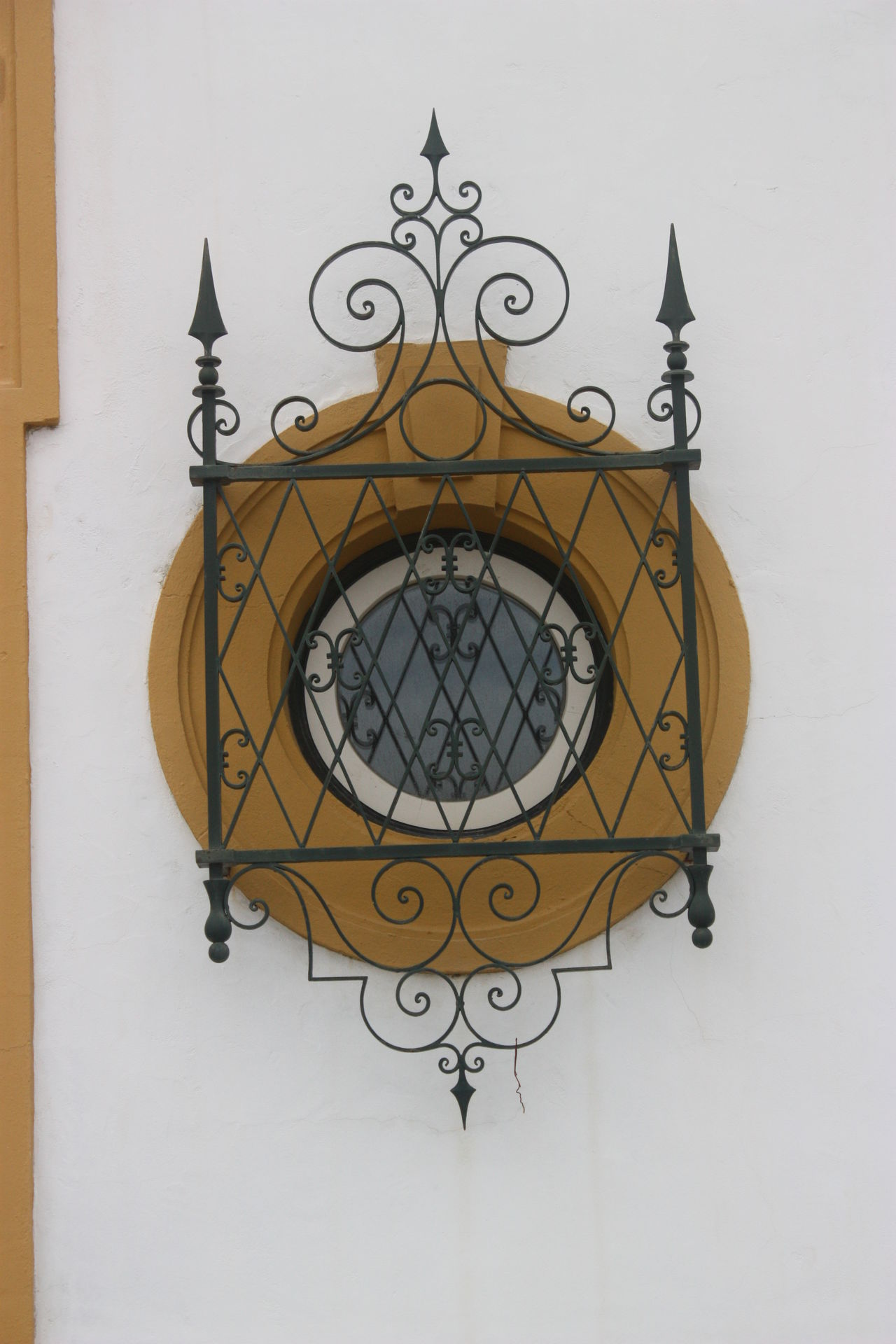 #arquitecture #ciclewindow #wood #window Art And Craft Circle Design Wall Wall - Building Feature