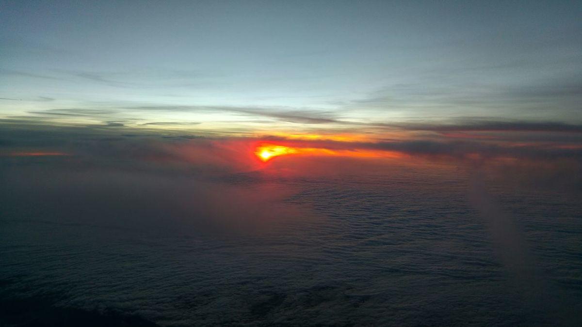 Sunset over France Coucher De Soleil Sunset Nuages Clouds Soleil Sun Ciel Sky