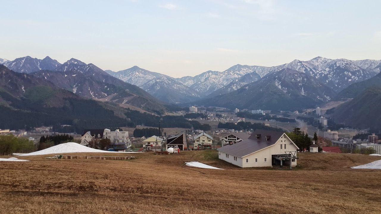 Yuzawa ski village ASIA Japan Mountain View YUZAWA Beauty In Nature House Mountain Mountain Range Outdoors Scenics Ski Resort  Snow Tranquil Scene Tranquility