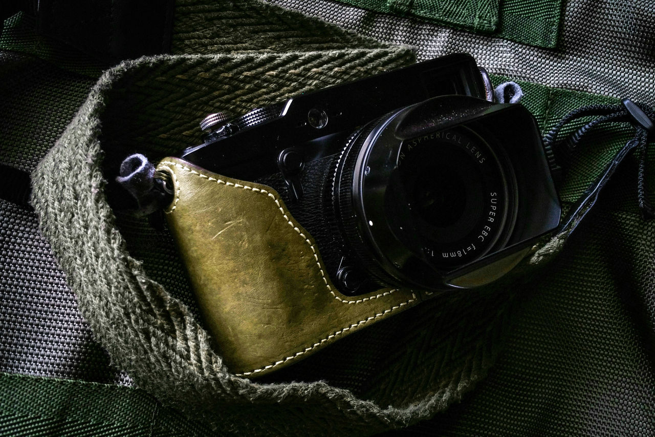Product Camera Rangefinder Tactical Streetphotography Everybodystreet Street Photography Olive Green Fujifilm Fujifilm_xseries Fujifilm X-Pro1 Lieblingsteil