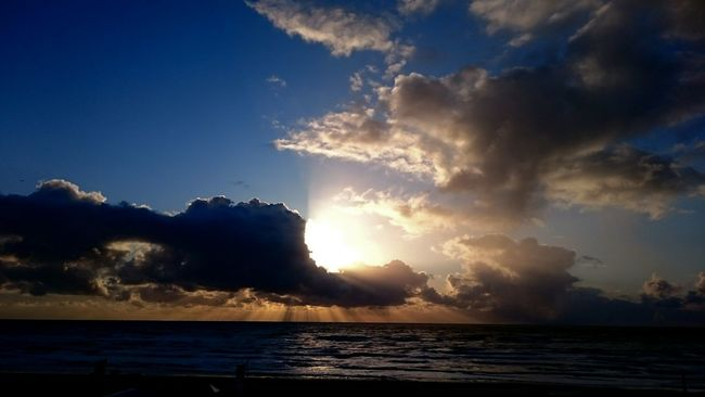 Sunset in Zandvoort, netherlands Beautiful Nature Sunset Life Is A Beach Point Of View Capture The Moment Northsea Reflection Clouds And Sky
