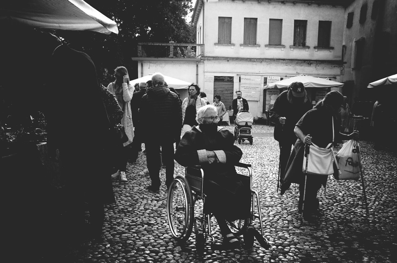Indifference Indifferenza Streetphotography Street Photography Streetphoto_bw Black And White Full Length Person Men Real People Adult People City Horizontal Outdoors Only Men One Person Day La Vita
