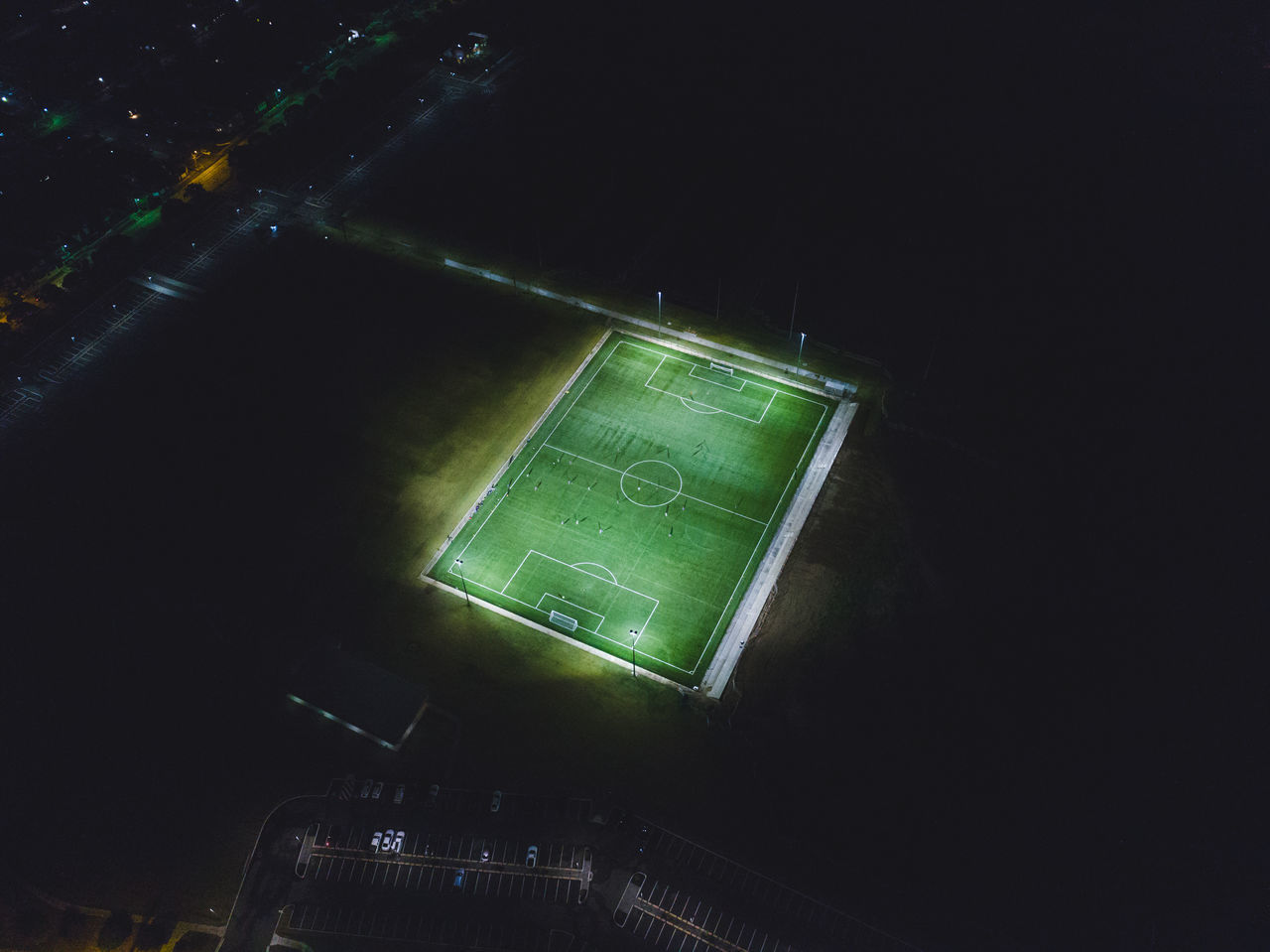 @itchban / www.itchban.com American Football Field Green Color Illuminated Night Night Sport No People Outdoors Soccer Soccer Field Stadium