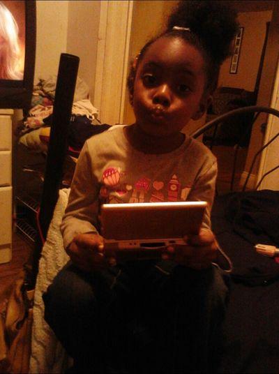 My Daughter Coolinnn , Playinn My D.s :)