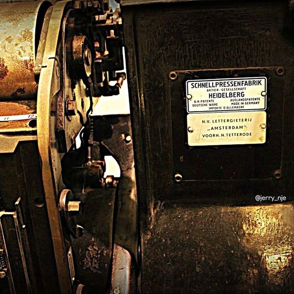 VOC Printing Jakarta INDONESIA Igfotogram_4bw www.shutteroverload.com