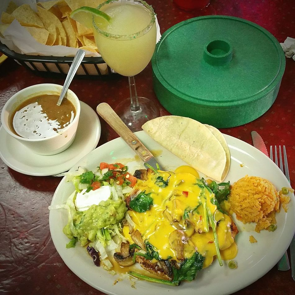 Pollo Brazil. It was delicious and can't beat. 99 cent margaritas. 😁🌮🍹 Plate Food Table Indoors  Food And Drink Green Color No People Healthy Eating Freshness Ready-to-eat Meal Close-up Day Note 4 Photography Eyemphotography My Photography Popular Photos Mexican Food Margaritas Eating Out Texaslife