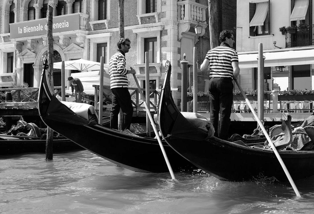 Venice Venice View Venicelife Italytrip Canalgrande Bnw Bnw_collection Bnw_captures Bnw_society Bnw_worldwide Bnw_life Bnwphotography Fujifilm_xseries Fujifilm_id Fujifilmxa2 Terfujilah Human Interest Bnw Street Street Photography