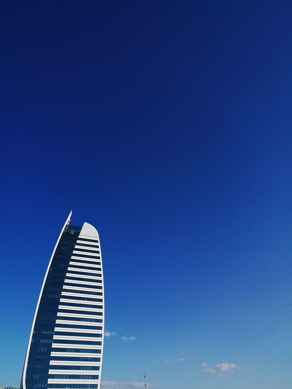 blue, copy space, clear sky, architecture, low angle view, sky, built structure, no people, day, outdoors, building exterior