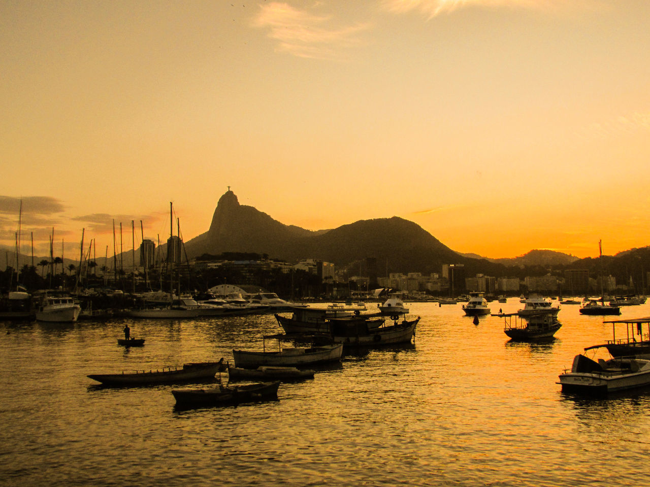 Beautiful Sunset in Rio de Janeiro Beach Christmas Corcovado Ipanema Beach Landscape Mountain Nature Ocean Rio De Janeiro Riodejaneiro Sun Sunset VisitRio
