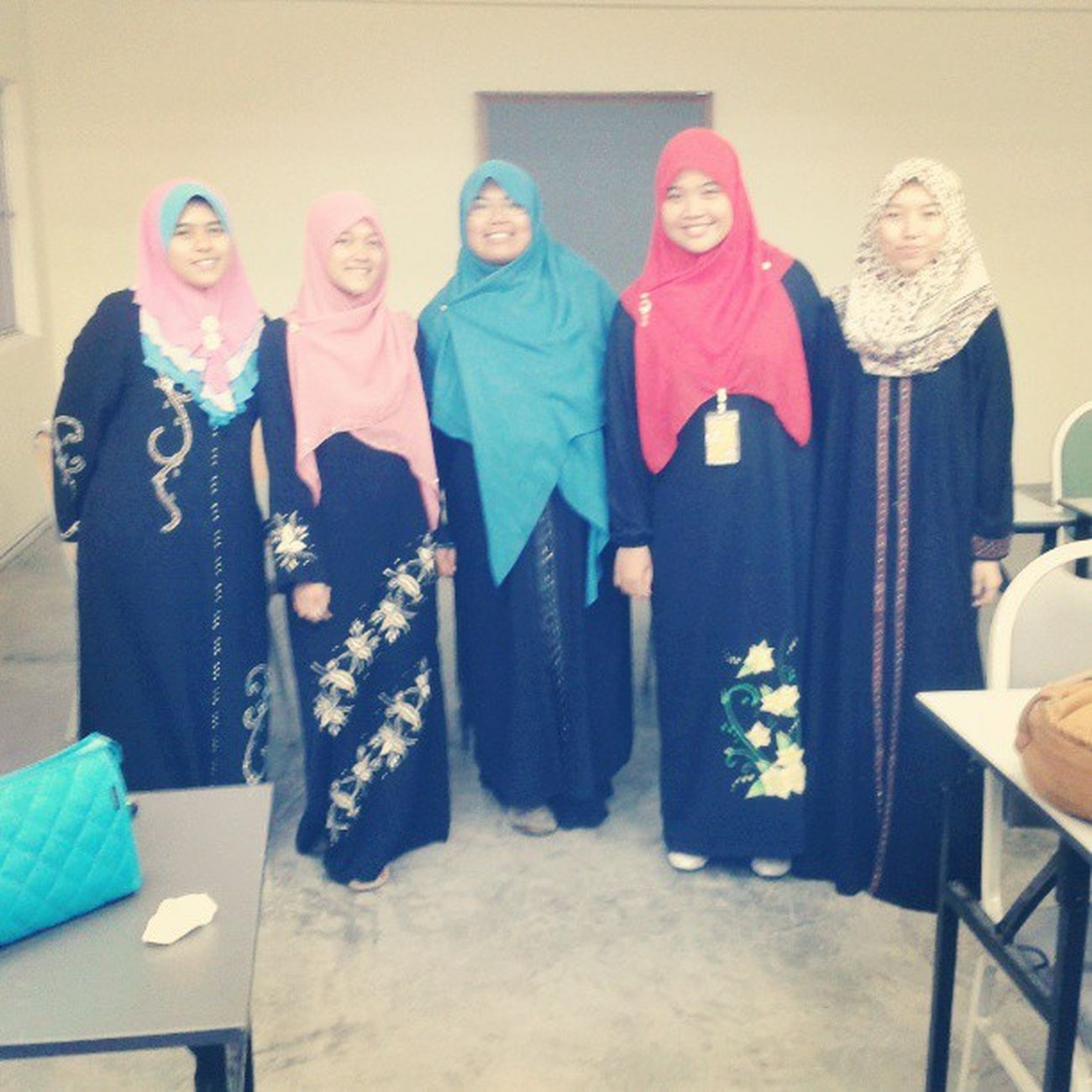 We are having jubah day....some says we are berkabung...lalalala Happy Friday ! May Allah bless~ ^_^ Accountancy Uitm Ac1102c Outfit