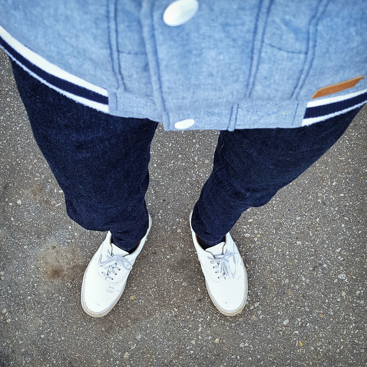 Mensfashion Menstyle Close-up Lifestyles Well-dressed Low Section One Person Streetwear Outfit Outfitoftheday Outfitpost Streetfashion WIWT Sneakers