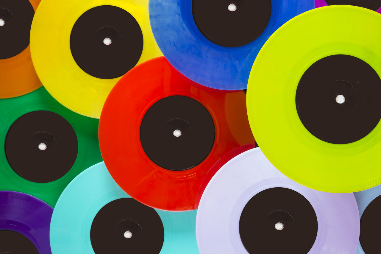 33 45 Audio Audiophile Backgrounds Close-up Colorful Dj Dj Set Entertainment Full Frame Label Long Playing LP Multi Colored Music No People Playing Pop Records Vintage Vintage Style Vinyl Vinyl Records Vinylcollector