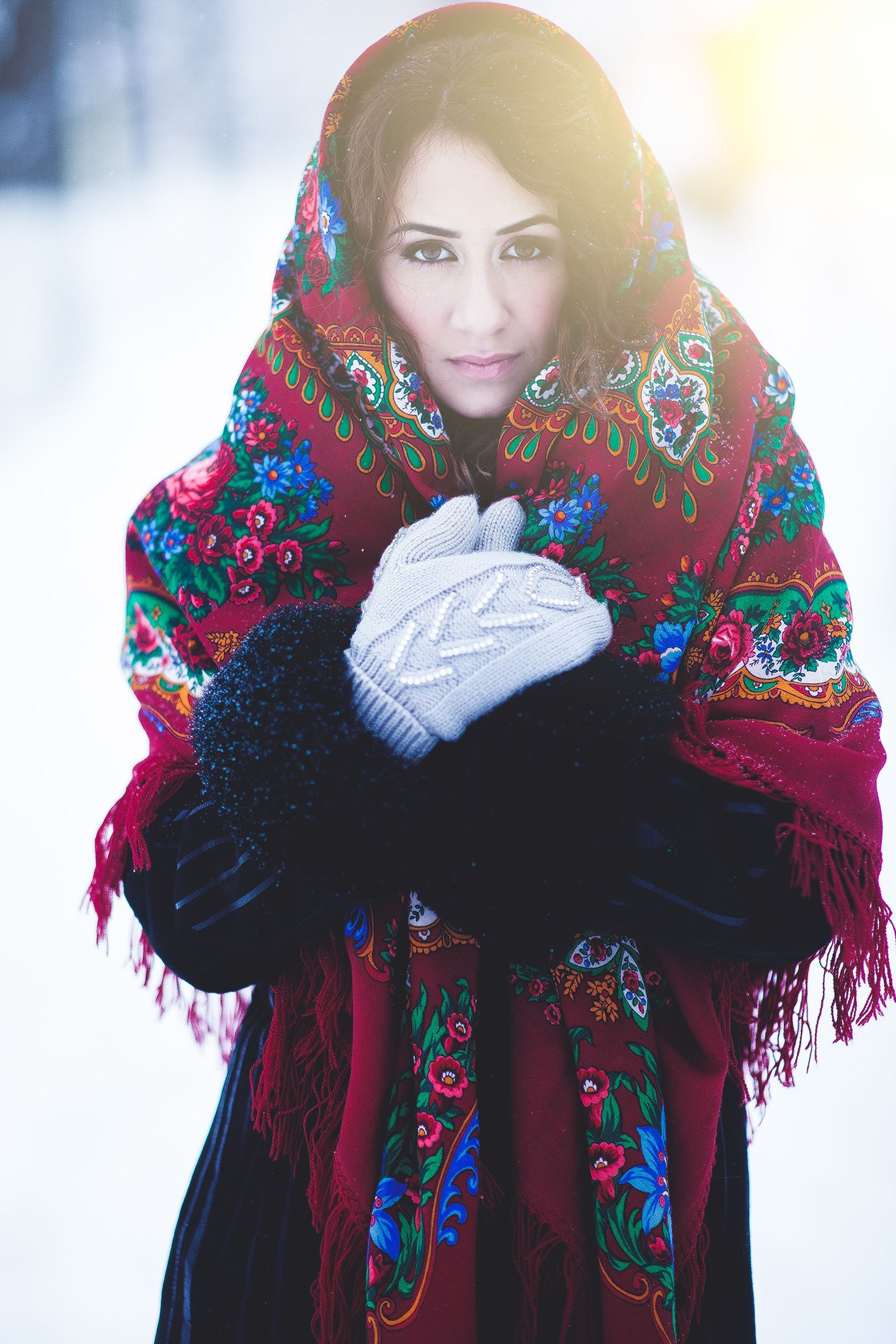 portrait, looking at camera, person, front view, lifestyles, casual clothing, leisure activity, young adult, young women, standing, smiling, warm clothing, three quarter length, happiness, winter, waist up, focus on foreground, snow