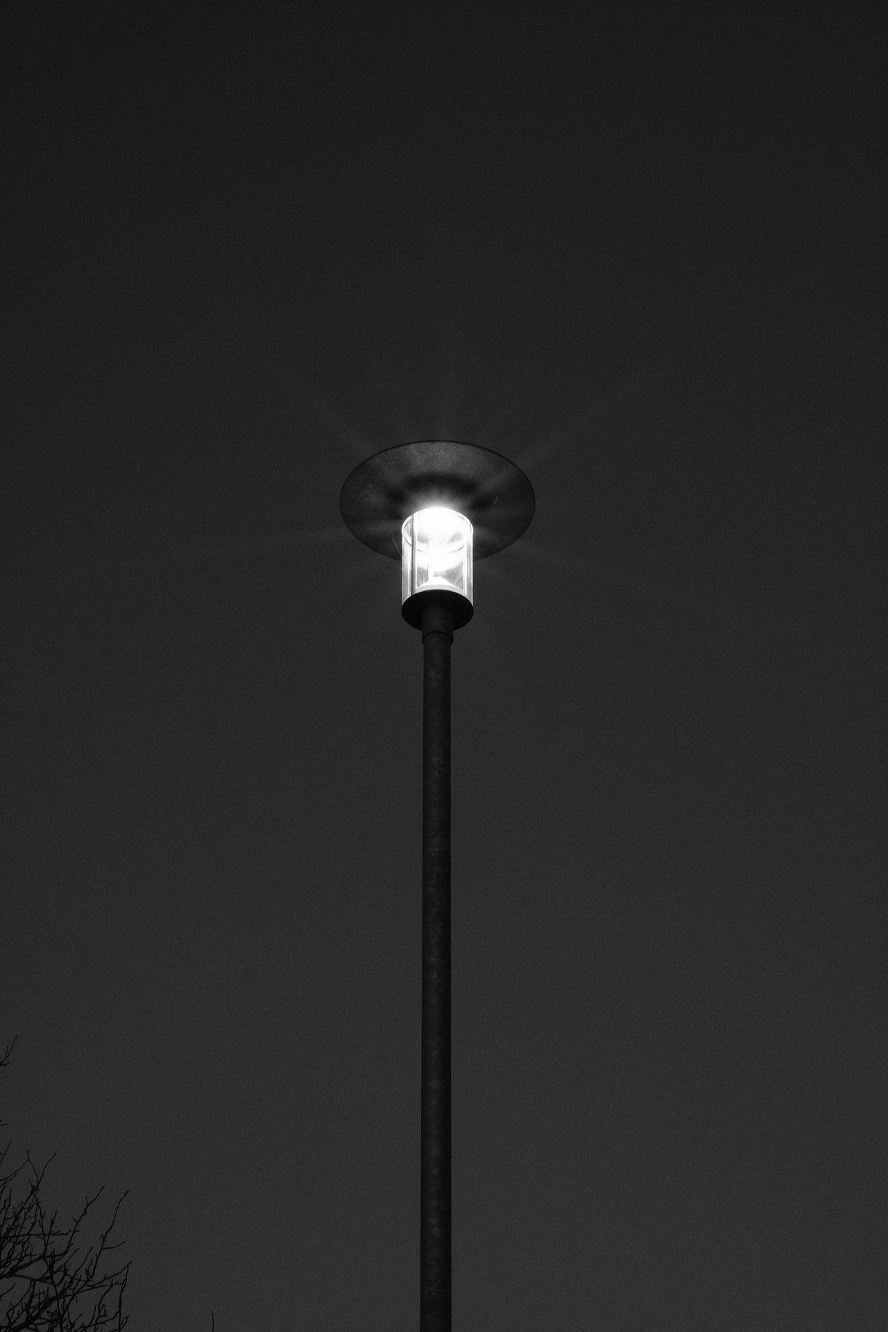 Good evening Street Light Street Lamp Lights Gatlampa Taking Photos Eyeem Sweden Fujilove Monochrome Bnw Svartvitt AcroS Xt-2 Fujifilm EyeEm Bnw Sweden December Dark Sverige Fujifilm_xseries Kungshamn FUJIFILM X-T2 Gatljus No People Lighting Equipment EyeEm