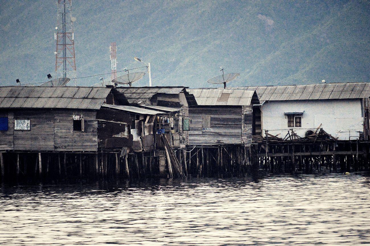 Kampung Nelayan Sibolga Tapanuli Tengah... Village Huts Fisherman Village Fisherman Houses Sibolga North Sumatra - Indonesia