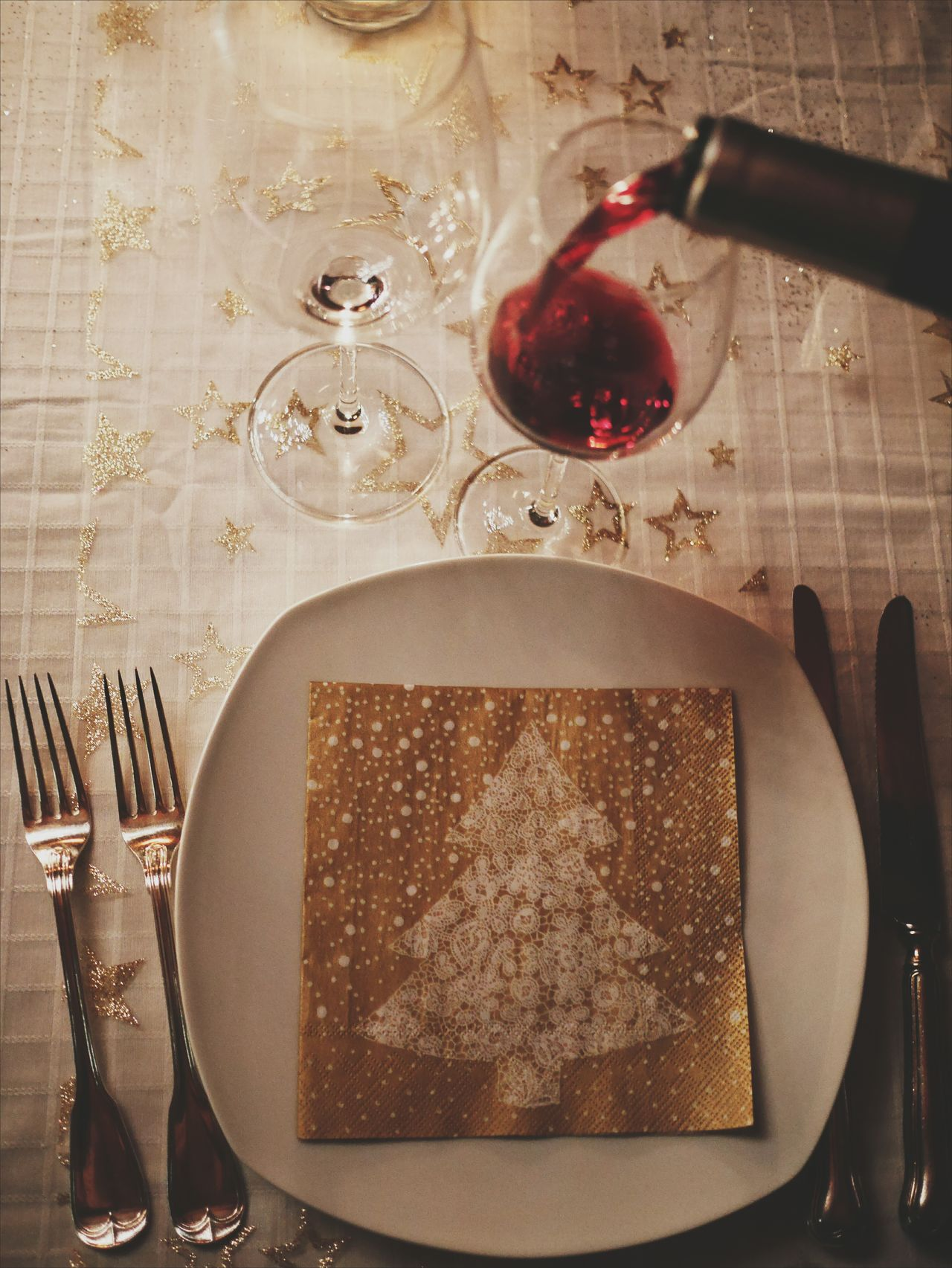 Food Plate Fork Food And Drink Table Indoors  Place Setting Meal Freshness Healthy Eating Ready-to-eat Close-up No People Day Christmas Around The World Christmas Red Wine Wine Moments