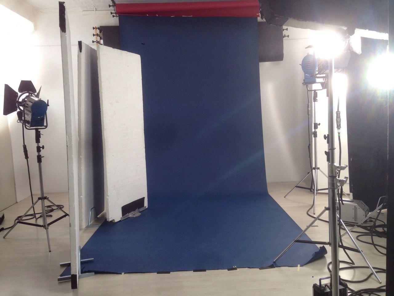 Lighting Equipment Indoors  No People Shooting Shooting Day Light Blue Studio Light And Shadow