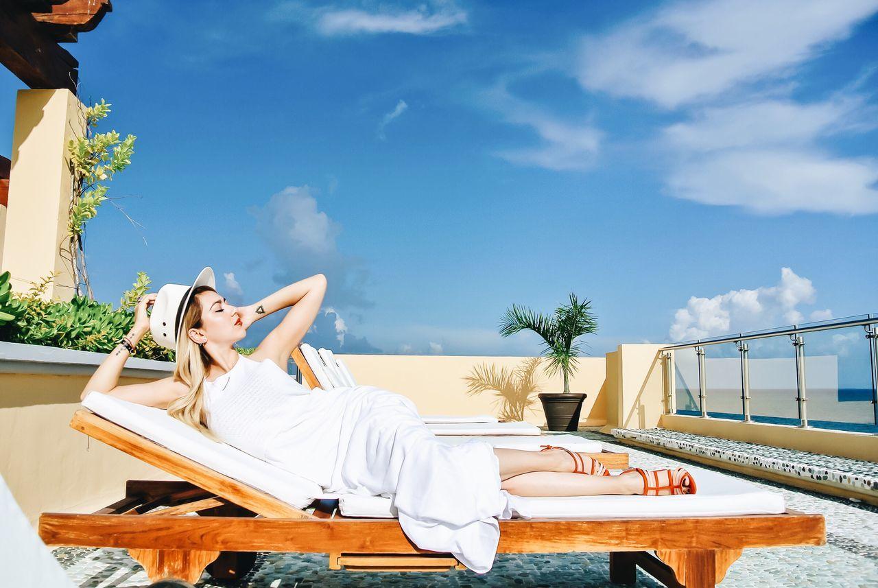 Beautiful stock photos of model,  25-29 Years,  Aspirations,  Balcony,  Beautiful People