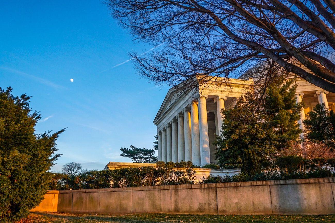 Jefferson's moon. Moon Memorial Washington, D. C.