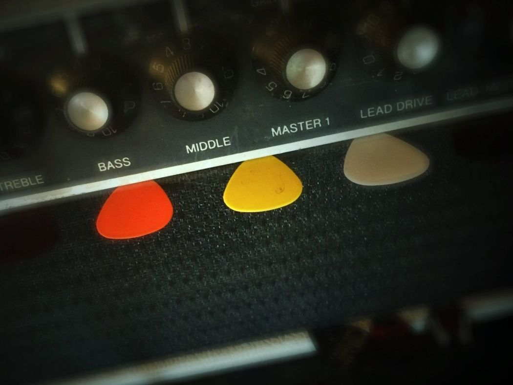 Amp Guitar Loud Speaker Tubes Vintage Picks Guitar Picks Colorful Plastic Amplifier Black Cabinet Knobs