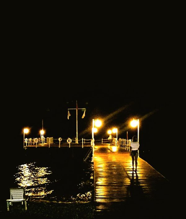 Sea Night Nightphotography EyeEm Best Shots People Hanging Out Bestoftheday Hello World Hanging Out IPhoneography